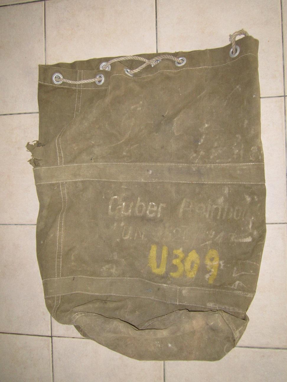 Un banal sac de marin Allemand ... avec un plus  Img_2611