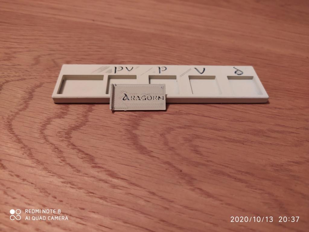 Dés personnalisés SDA - Hobbit - tables de pouvoir Img_2075