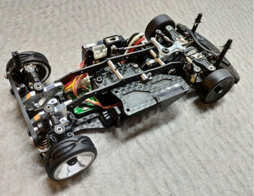 Présentation de la FFZ d'Atomic, une 4x2 en traction. Ffz310