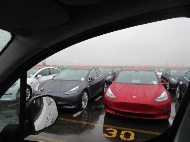Tesla : la model 3 dévoilée - Page 38 Model312