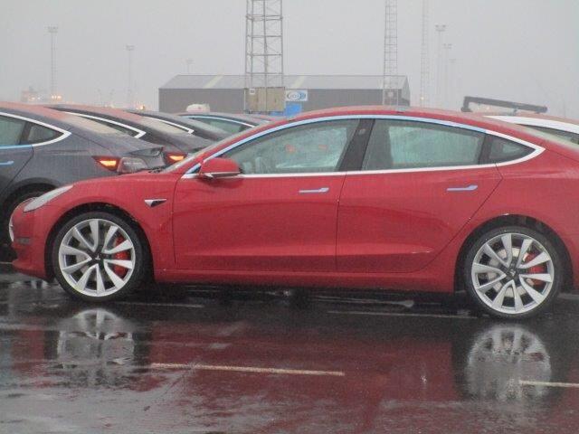 Tesla : la model 3 dévoilée - Page 38 Model313