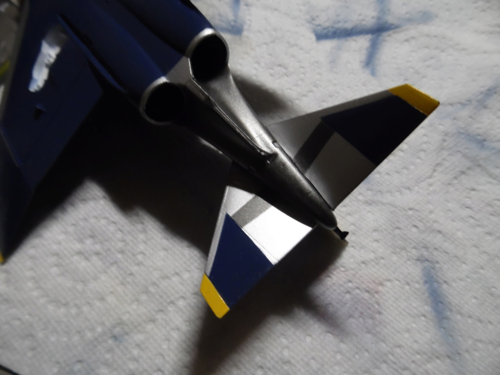 """Mc Donnell Douglas F-4J Phantom II """"Blue Angels"""" - kit FUJIMI 1/72 Sam_1425"""