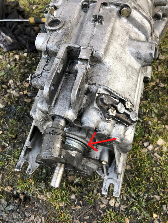 [ BMW e36 323i M52 an 1996 ] Grincement au niveau de l'embrayage/boite Img-4614