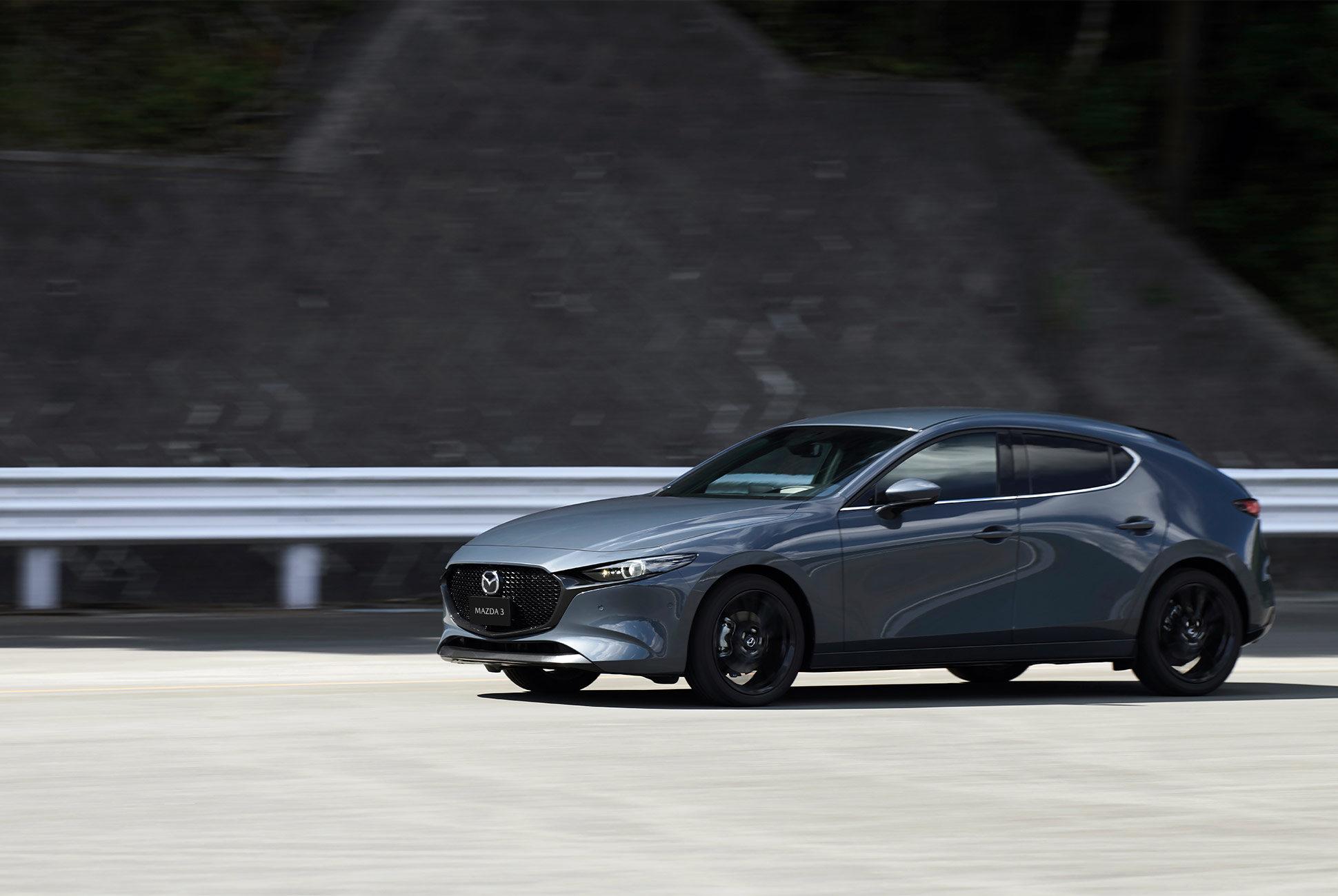 2018 - [Mazda] 3 IV - Page 11 Next-g10