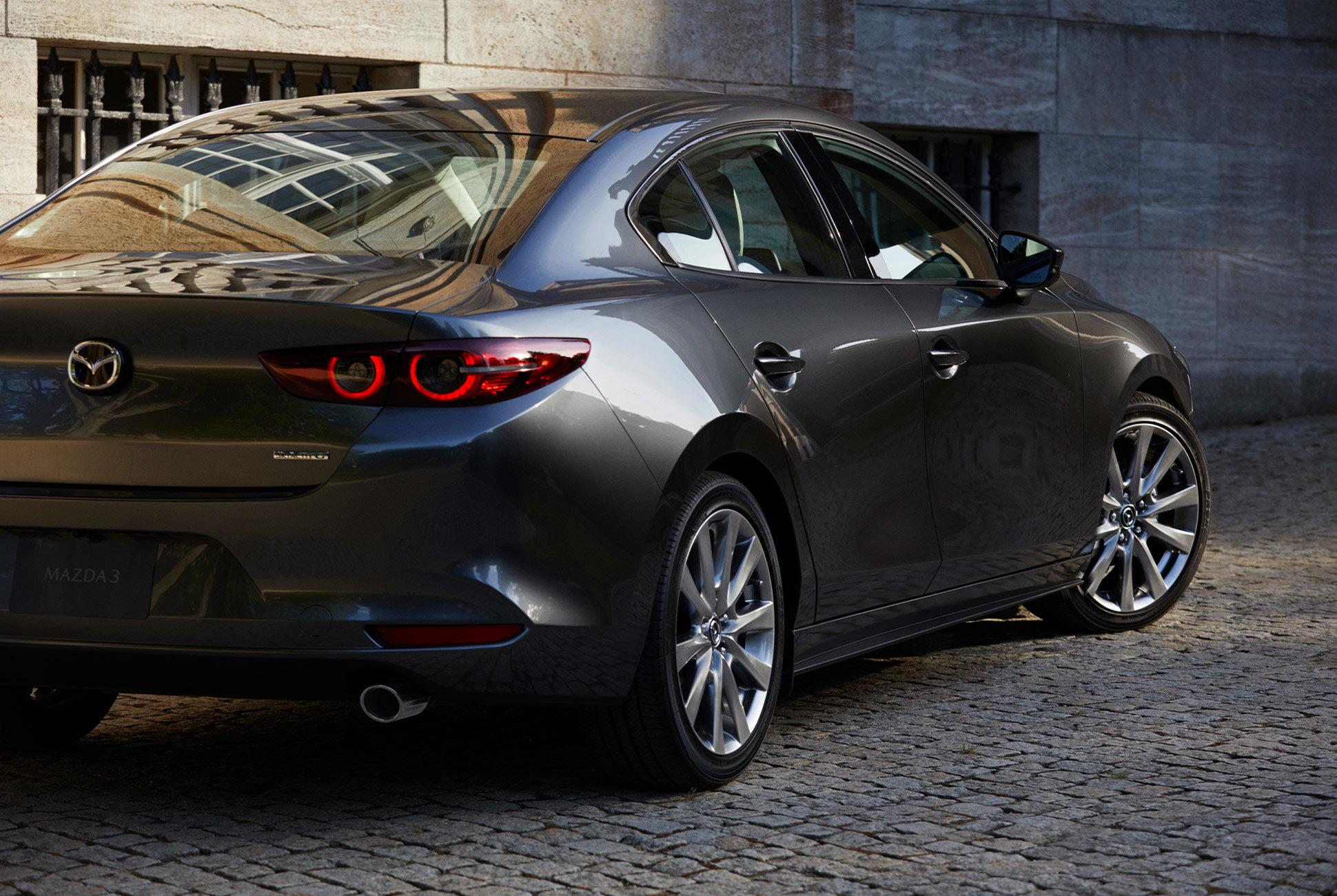 2018 - [Mazda] 3 IV - Page 11 Next-g15