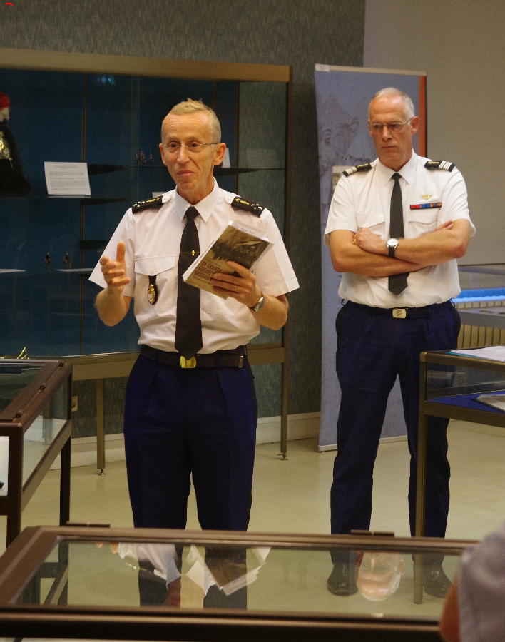 L'histoire, «La Grande Guerre des Gendarmes» Imgp3813