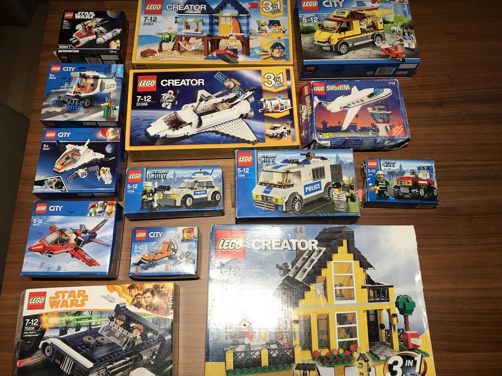 (VENDUS) LOT LEGOS city figurines vrac + nanoblocs et 1 LEGO FRIENDS CENTRAL PERK C2872a10