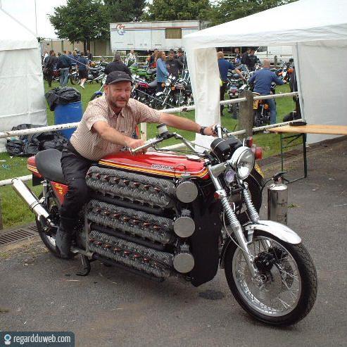 Motos , bizarres , excentriques ou barrées... - Page 2 Humour14