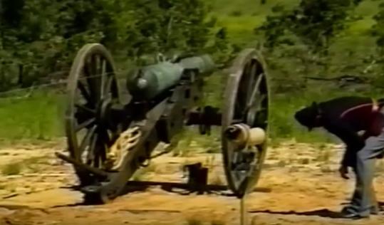 Tir au canon Guerre de Sécession - obus explosif. Canon_13