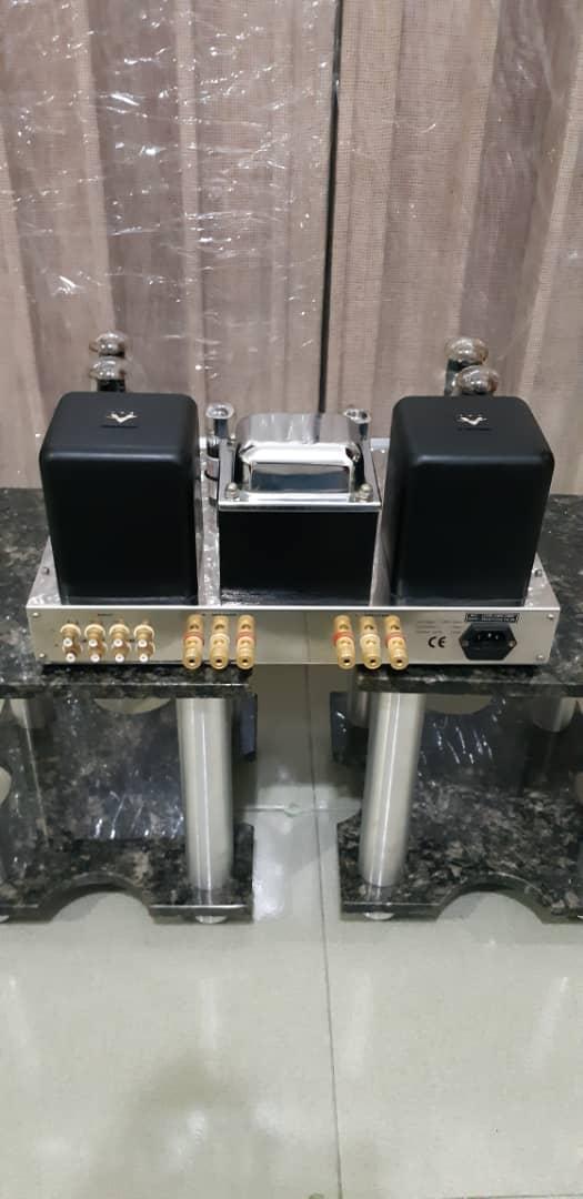 VAL 300BD Vacuum Tube Stereo Amplifier Whatsa11