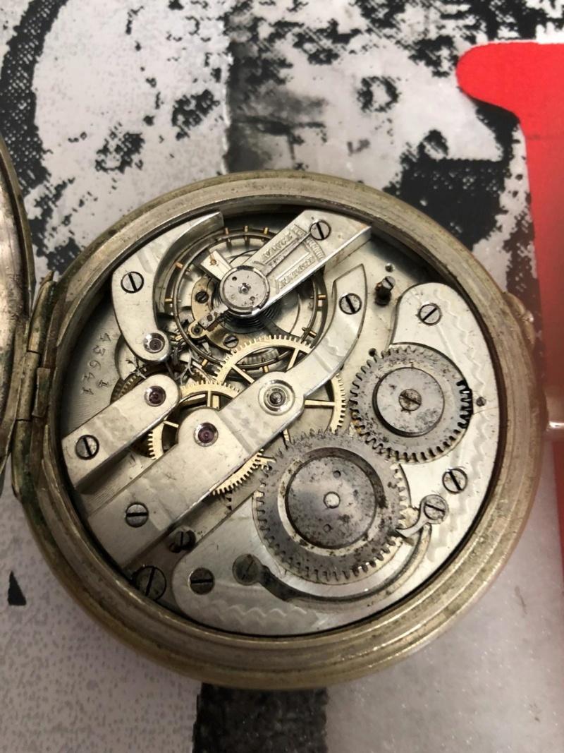 L'histoire des montres de chemins de fers - Page 6 Img-2011