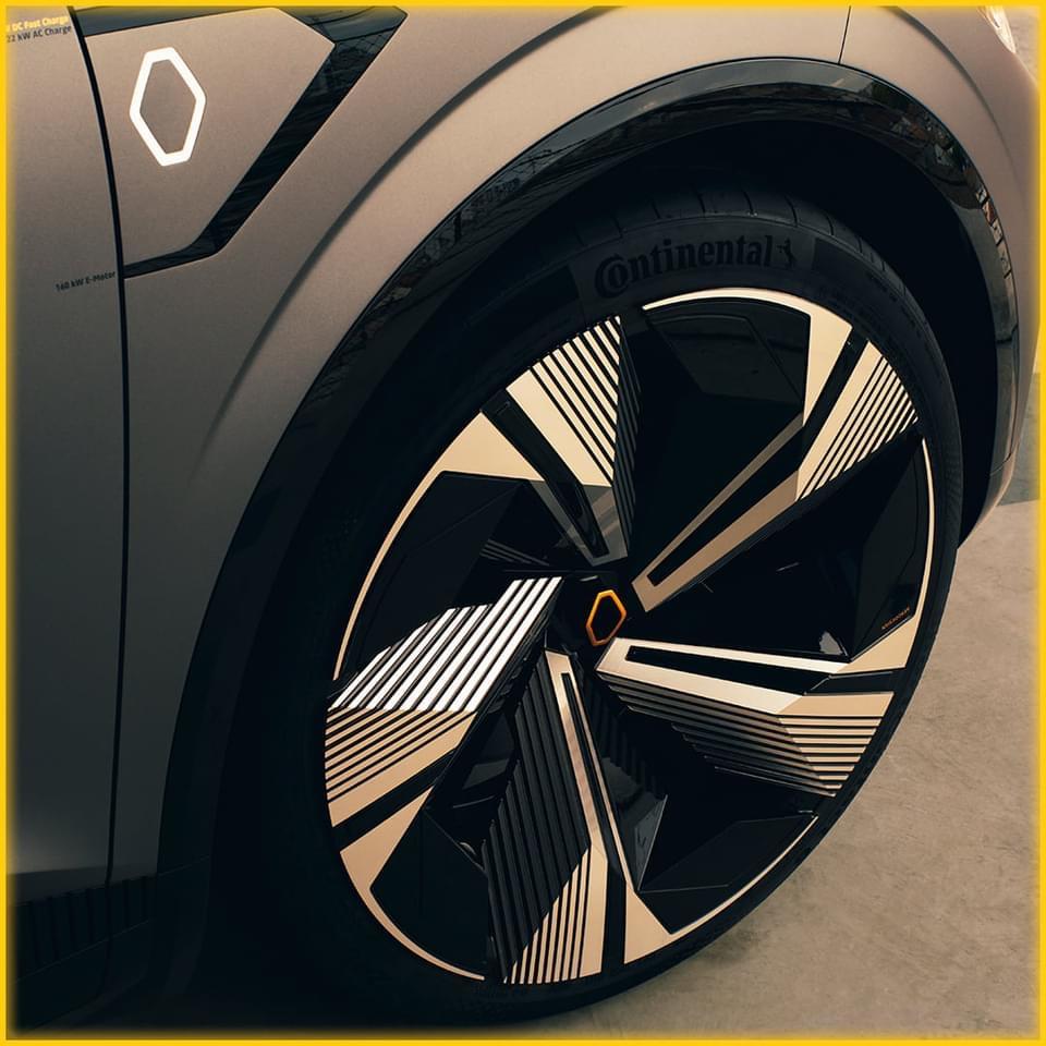 2020 - [Renault] Mégane eVision - Page 6 Img_3212
