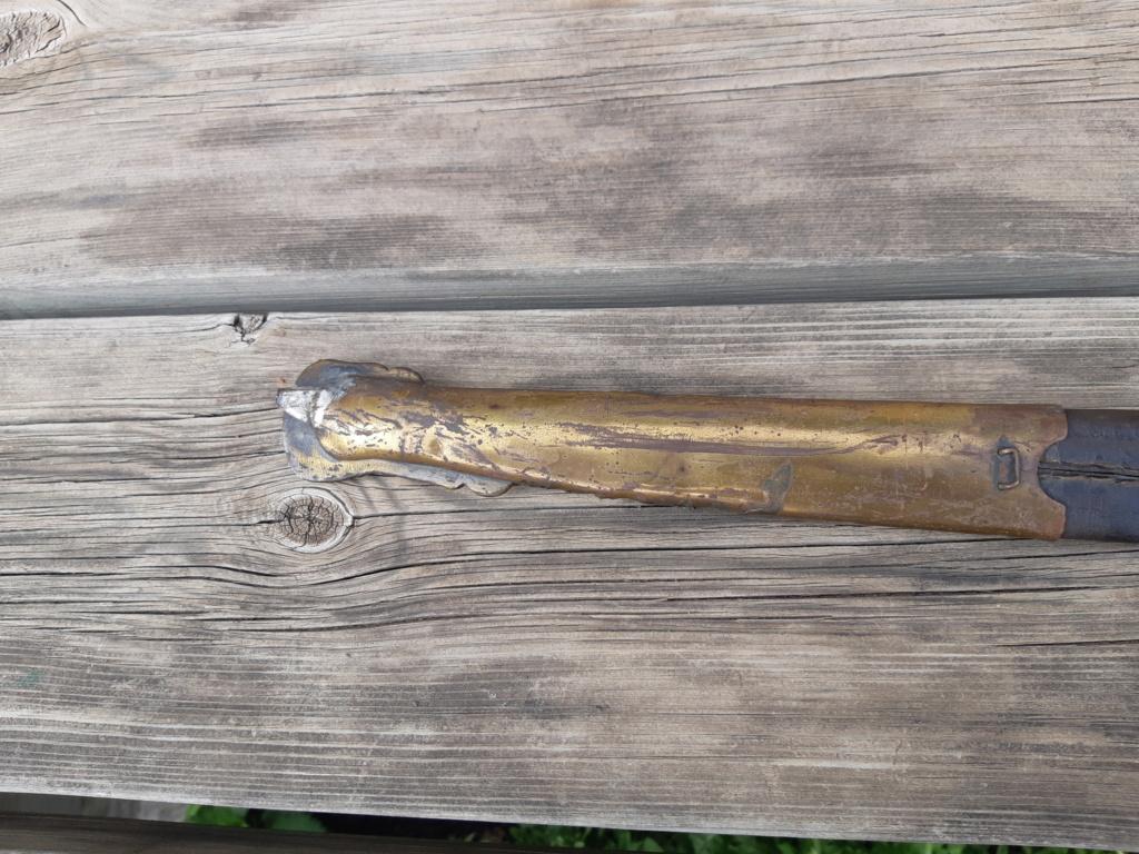 Identification si possible épée encastré dans la gaine 20210533