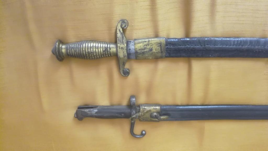 Identification et estimation baionettes et armes blanches italiennes Img-2037