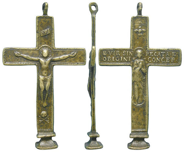 Recopilación de Cruces pectorales con relieves de la Inmaculada Concepción, siglos XVII al XIX ©  _60010