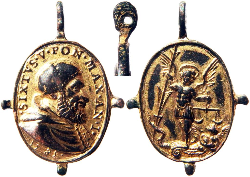 medalla de Sixto V / S. Miguel Arcángel S. XVI (1585).  [R.M. SXVI-O32] [ Pe Sixto V - Papa 7] P2160010