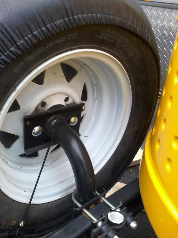 pneu de secours et support à vélo 0b595810