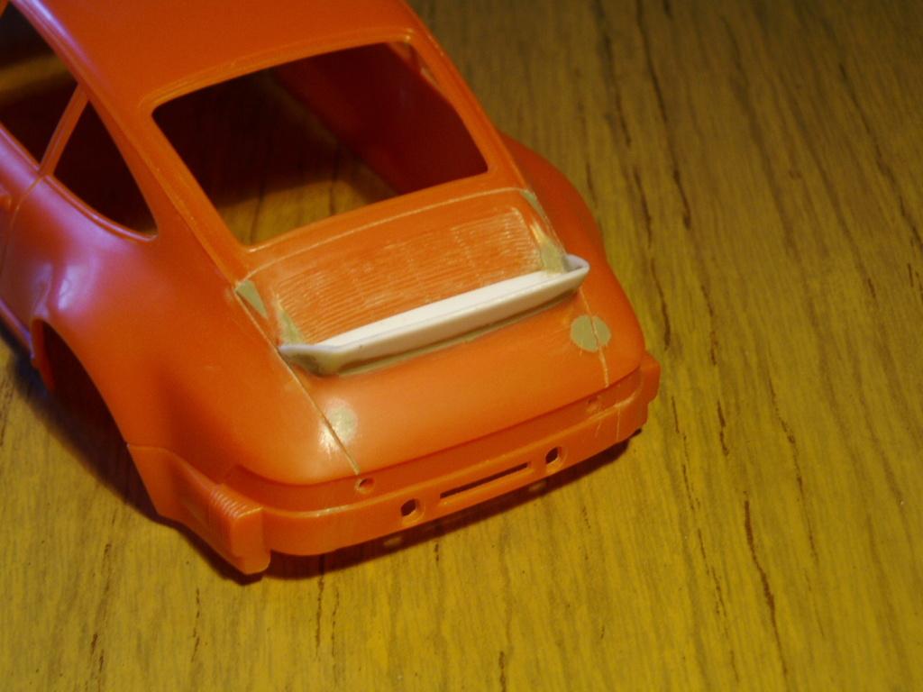 MT: Porsche 911 Carrera 2.7 MFI Ducktail 1/24 Jocsa P5170510