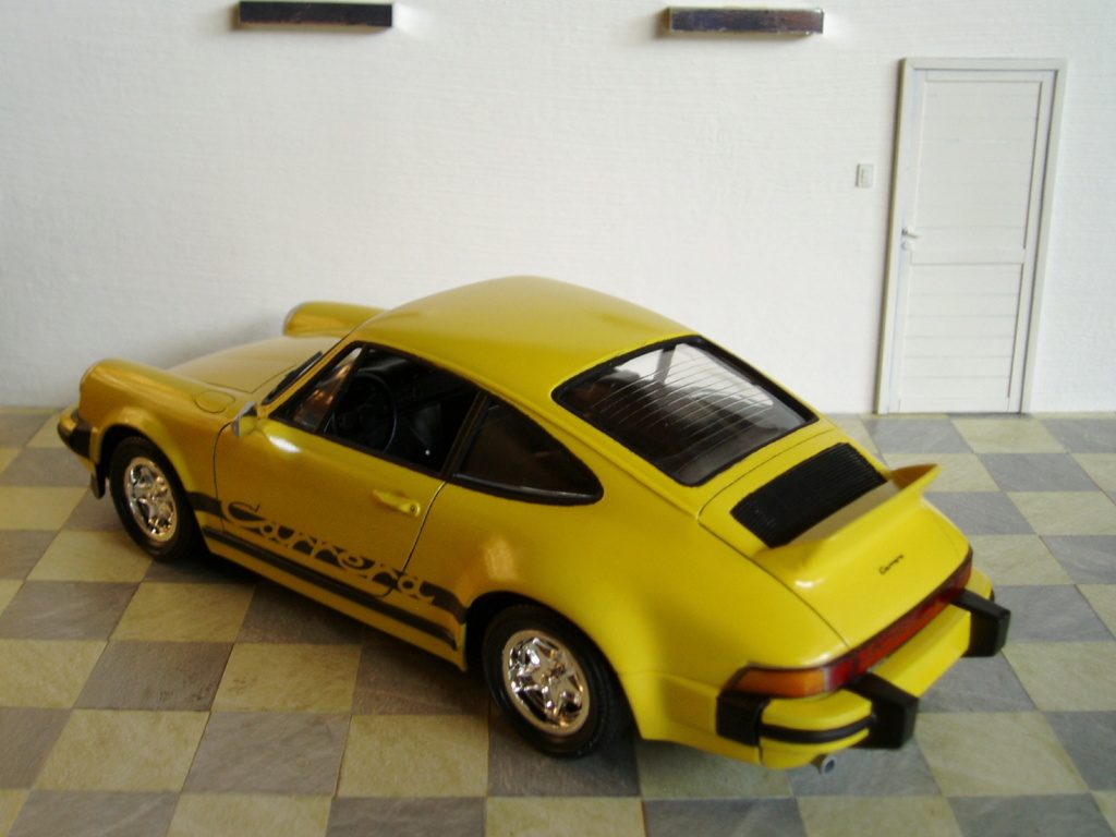 MT: Porsche 911 Carrera 2.7 MFI Ducktail 1/24 Jocsa P5250614