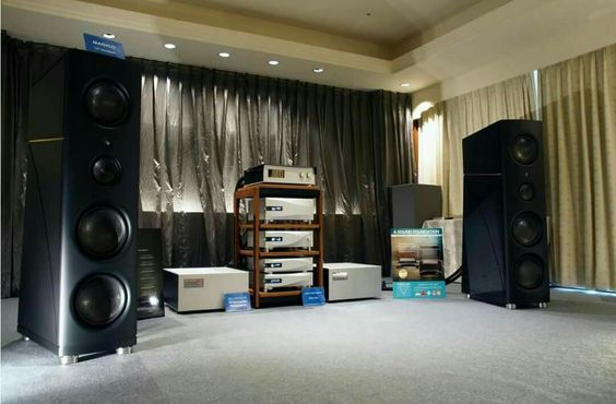 Salas audiofilas - Página 3 Ejipo210