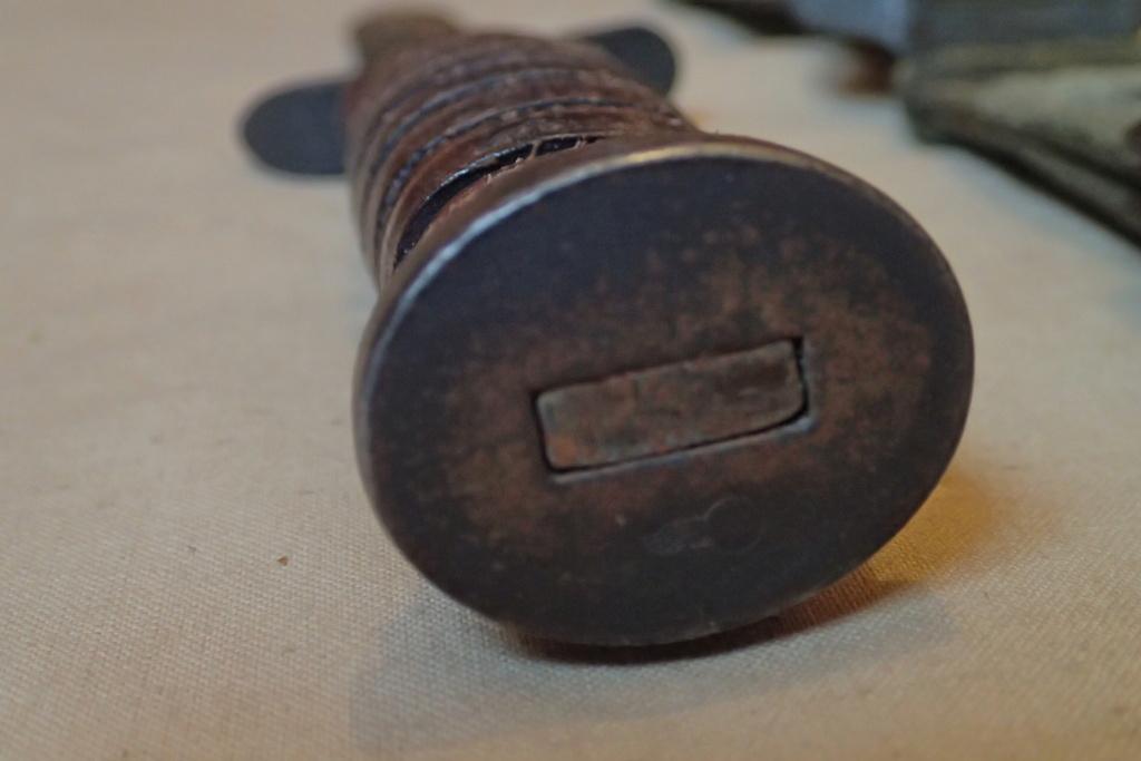 authentification collection de 5 USM3 et leurs fourreaux Pa030035