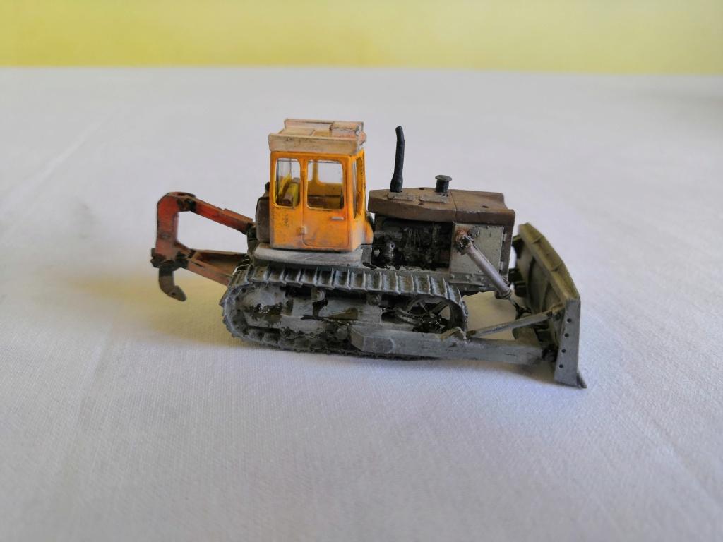 T-130 bulldozer Img_2125
