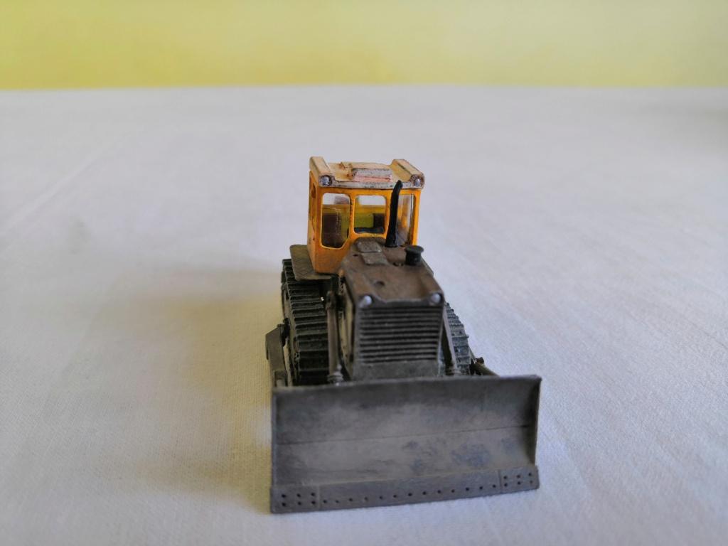 T-130 bulldozer Img_2129