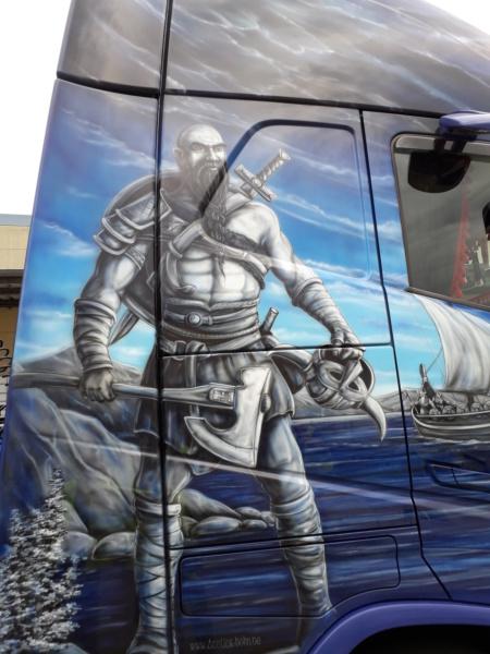 Ein Volvo im Wikingerkleid !!! 20180838