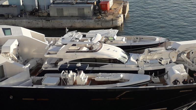 Megayacht Schnappgeschossen 20181245