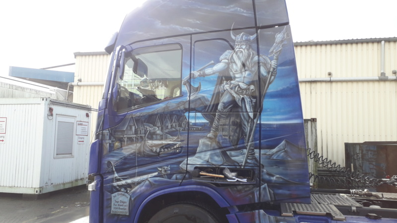 Ein Volvo im Wikingerkleid !!! 20190335