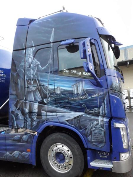 Volvo und Scania im Wikingerkleid !!! - Seite 2 20200128