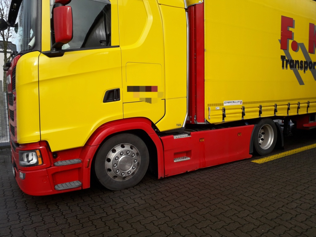 Ein tiefer gelegter Volvo. 20200211