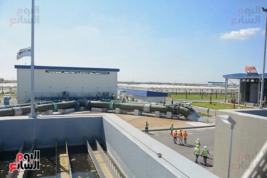 """الرئيس المصري يفتتح أضخم محطة معالجة مياه في العالم  و تسجل ضمن موسوعة الأرقام القياسية العالمية """"جينيس"""" 110"""