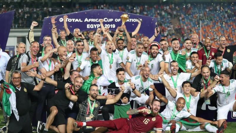 l'Algérie gagné le Sénégal et règne à nouveau sur l'Afrique ! 2019-010