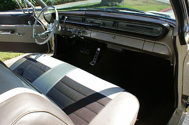 Pontiac Ventura 61 - Page 2 Dsc01010