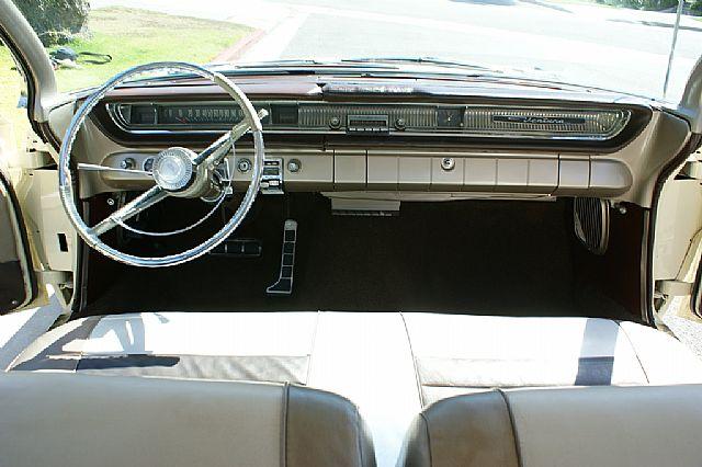 Pontiac Ventura 61 - Page 2 Dsc01011