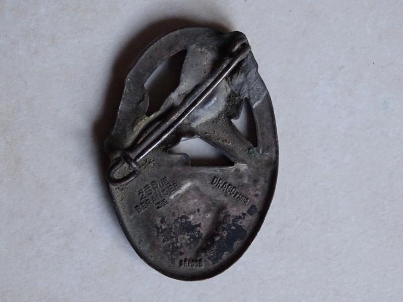 Insignes 32ème RI 1940 BAISSE -ALPINS-NOV3 Insign47