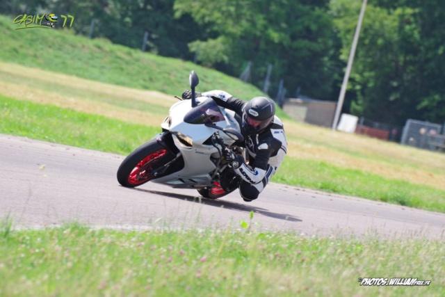 roulages motos, piste, circuit - Page 9 0626fd10