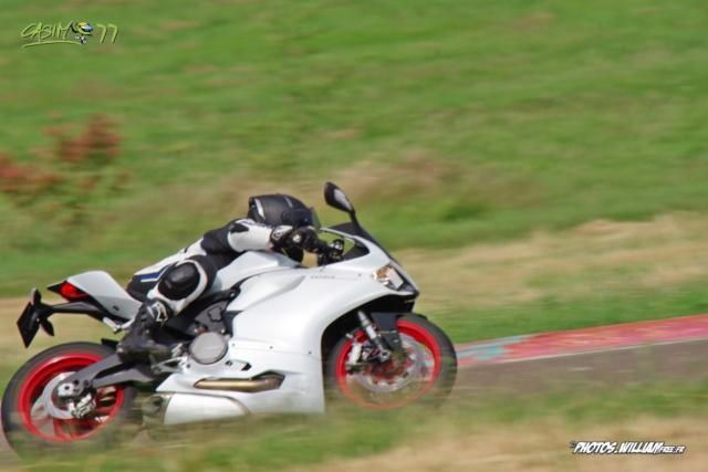 roulages motos, piste, circuit - Page 9 9c362f10