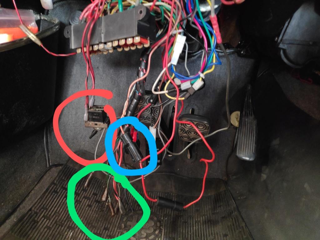 Mystère....et fils électriques Img_2051