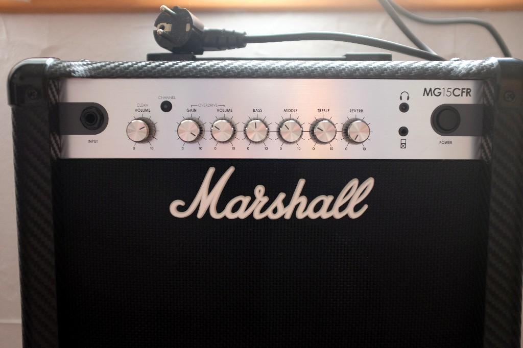 Vends ampli Marschall MG15 CFR servi une fois Dscf6612