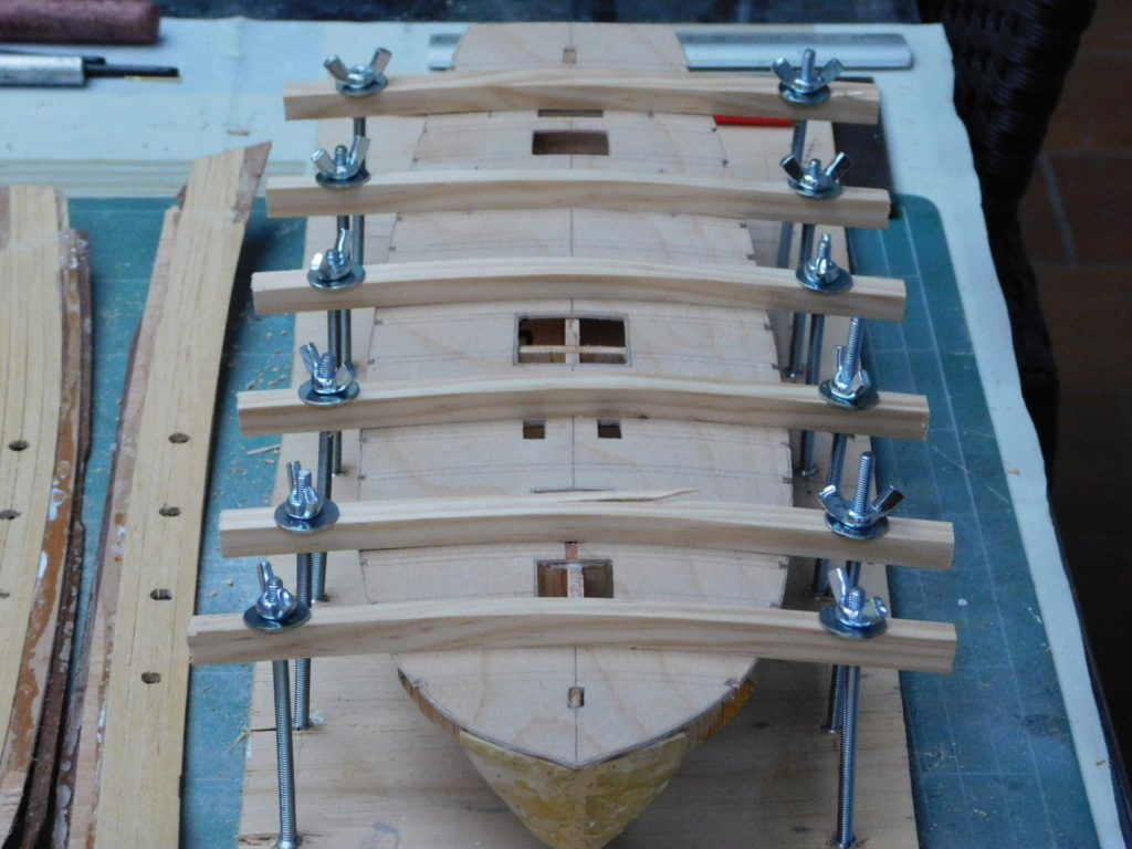 HMAV Bounty 1783 (Artesania Latina 1/48°+McKay) de kerezou - Page 3 Dscn0219