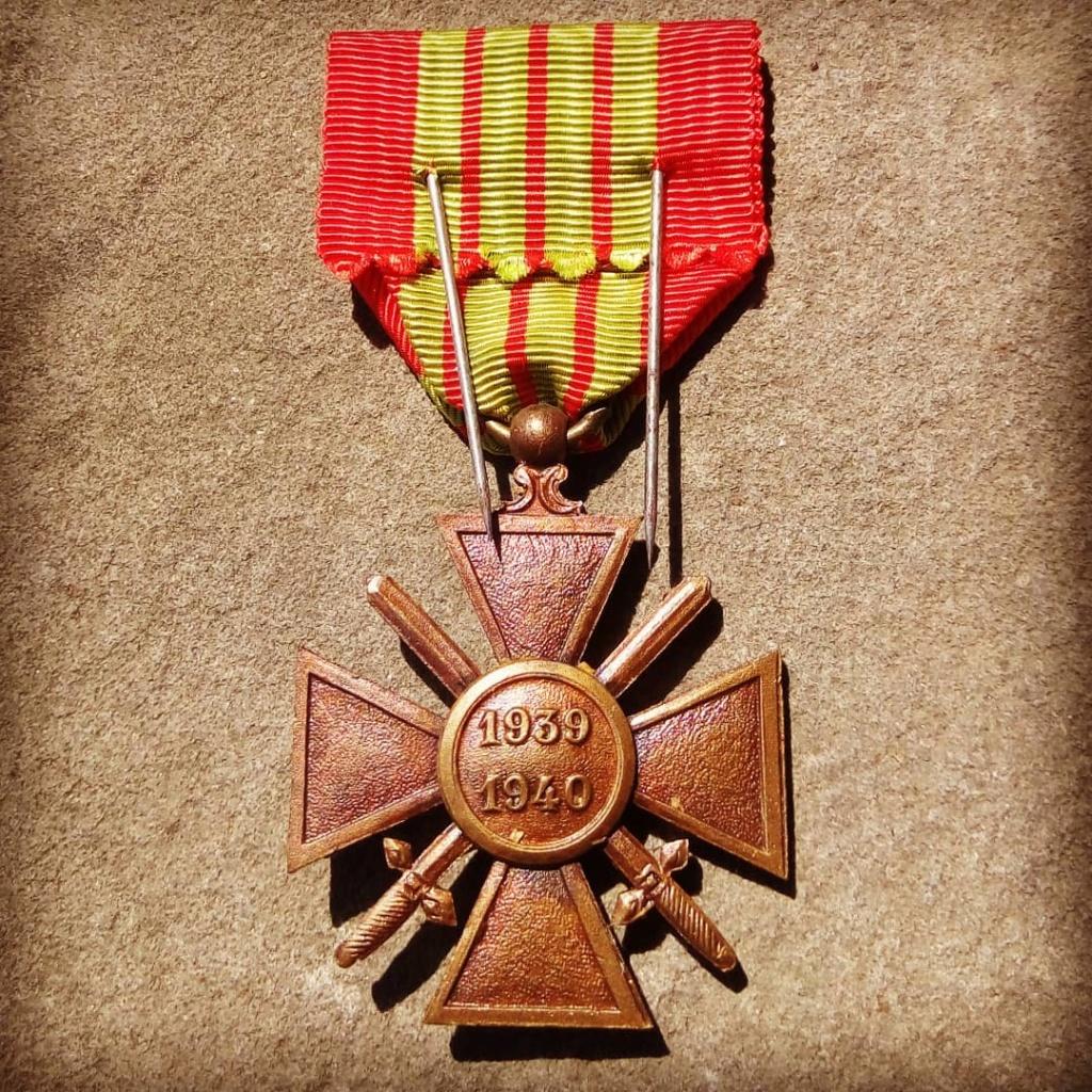 Identification du modèle d'une croix de guerre 1939 Img_2015