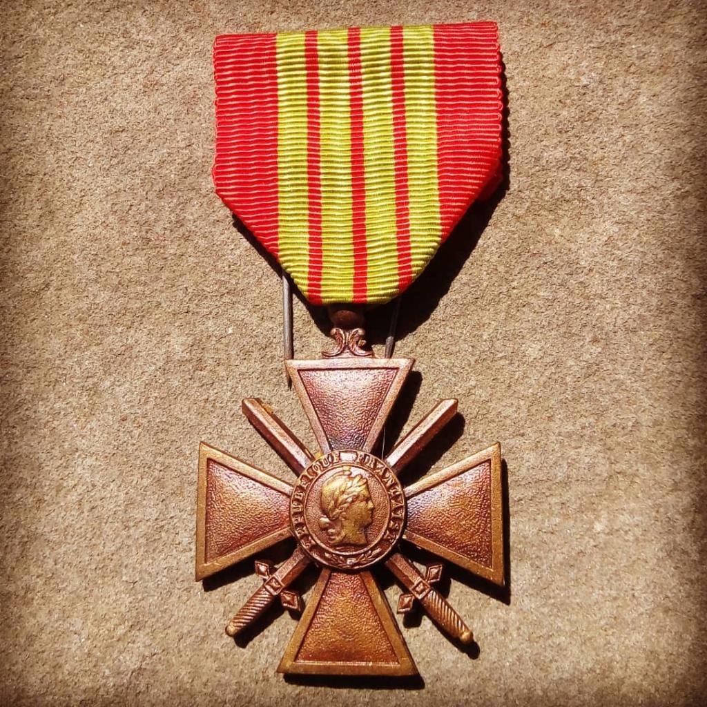 Identification du modèle d'une croix de guerre 1939 Img_2016