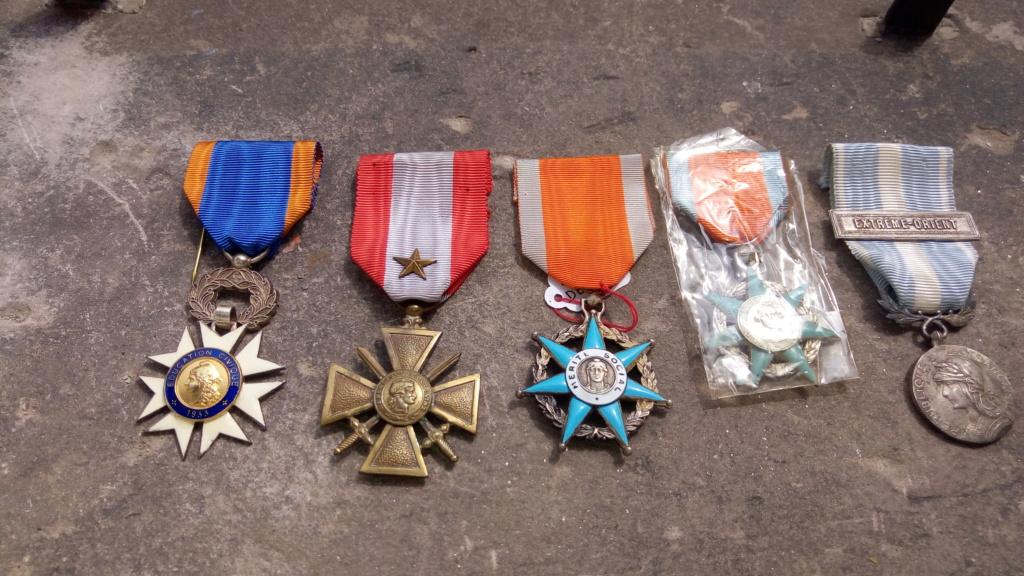 Evolution de ma modeste collection de décorations et ordres militaires/civils P_202079