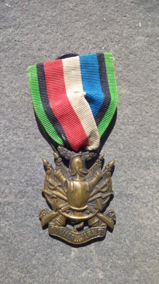 Groupe de médailles et décorations françaises ( Guerre 1870-1871 ) P_202082