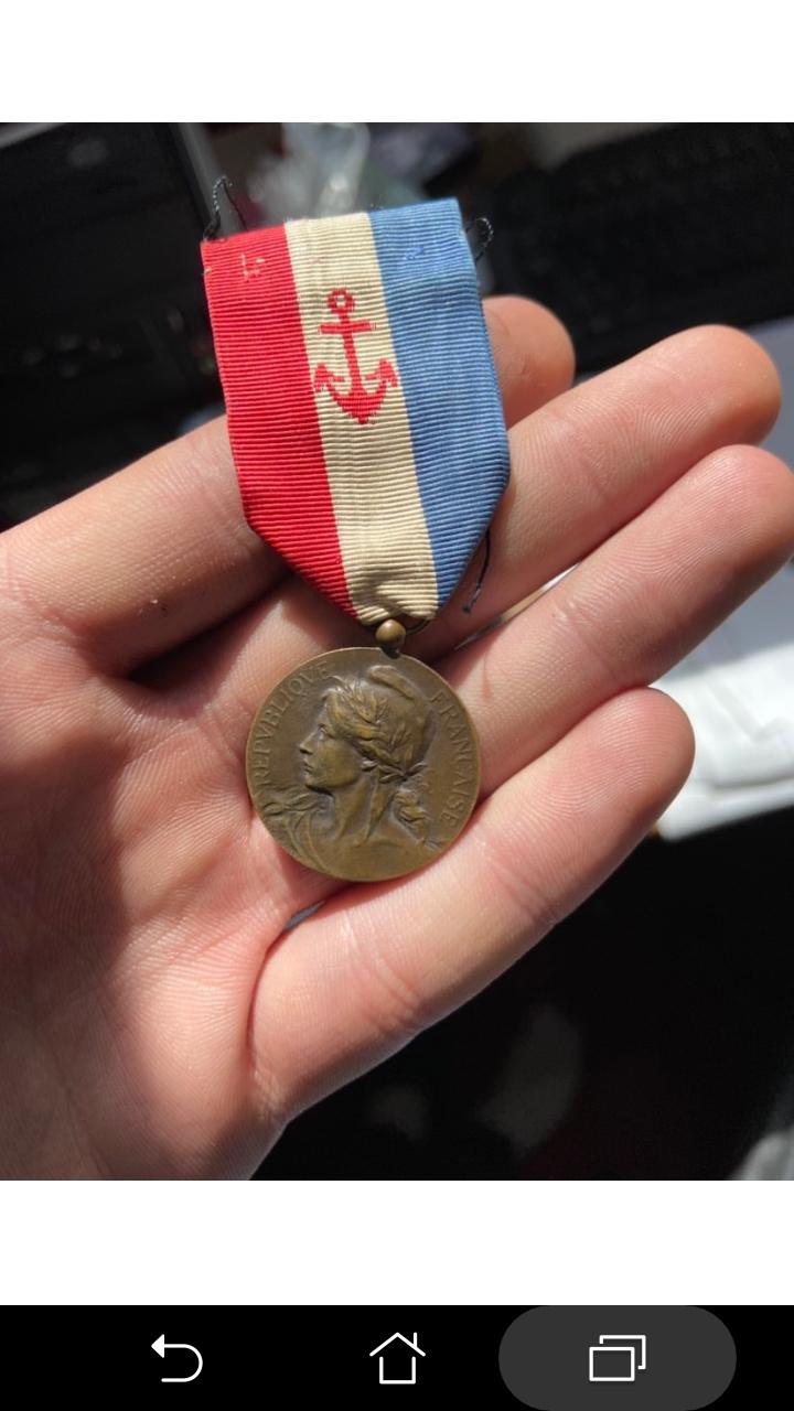 Identification d'une médaille d'honneur française Screen13