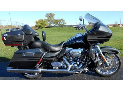 Road Glide CVO, combien sommes nous sur Passion-Harley - Page 19 Hd_flt12