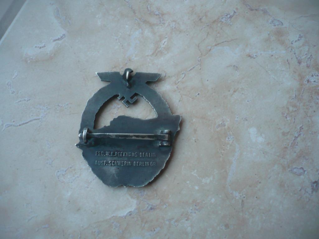 badge kM P2610339