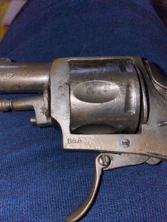 Identification d'un pistolet 46d33210